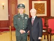 越南党和国家领导人会见中共中央军委副主席范长龙(组图)