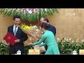 政府总理阮春福向信息与传媒部部长颁发任命书