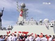 中国海军军舰首次访问越南金兰港