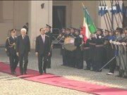 越南国家主席陈大光与意大利总统塞尔焦 · 马塔雷拉举行会谈