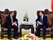 越南政府副总理郑廷勇会见美国艾克森美孚集团副董事长