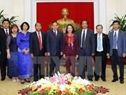 越共中央民运部部长张氏梅会见柬埔寨人民党中央外委会代表团