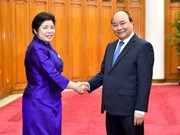 政府总理阮春福会见老挝政府办公厅部长苏万鹏•布帕奴翁