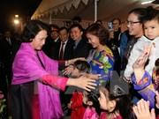 越南国会主席阮氏金银会见旅居印度越南人社群代表