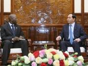 越南国家主席会见世行驻越首席代表