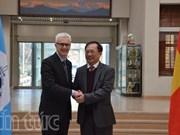 越南与国际刑警组织加强打击跨国犯罪合作
