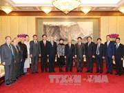 越共中央总书记阮富仲会见中国人民对外友好协会代表团