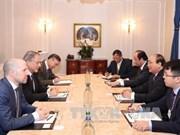 阮春福总理会见瑞士圣加伦大学马利克中心主席