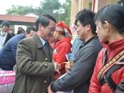 西北地区指导委员会领导春节前走访慰问老街省沙坝县人民