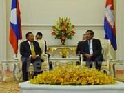 柬埔寨与老挝加强双边合作关系