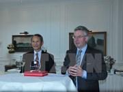 越南驻比利时大使馆举行热爱越南的欧洲友好议员见面会