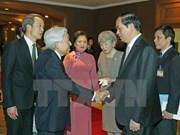 日本天皇明仁和皇后前往承天顺化参观 陈大光主席为其送行