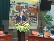 越共中央书记处常务书记丁世兄在海防市调研