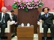 越南国会副主席杜伯巳会见泰越友好议员小组代表团