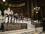 旅居法国越南人合唱团参加第23届法国巴黎国际合唱节