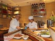 向在印度国际友人展现越南美食文化精髓
