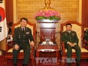 越南人民军总政治局领导会见韩国国防安全司令部参谋长