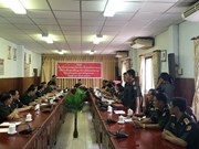 越南向2名老挝军官授予军事学博士学位证书