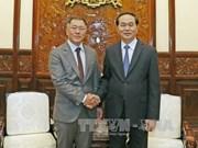 越南国家主席陈大光会见韩国现代汽车副会长郑义宣