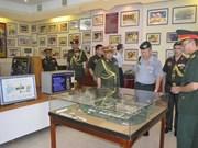 各国驻越大使馆武官代表团造访芹苴、胡志明市和芽庄