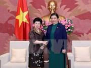 越南国会常务副主席丛氏放会见世卫组织总干事陈冯富珍