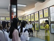 《黄沙与长沙归属越南——历史和法理依据》资料图片展在林同省举行