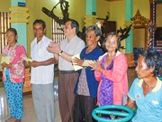 西南部事务指导委员会领导代表向高棉族同胞致以节日祝福