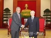 越共中央总书记阮富仲会见斯里兰卡总理拉尼尔·维克勒马辛哈