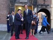 越南政府副总理郑廷勇会见荷兰首相马克·吕特