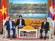 阮春福总理会见柬埔寨参议院主席和国会主席