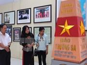 有关越南黄沙和长沙两个群岛的地图资料展在安江省举行