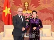 国会主席阮氏金银分别会见澳大利亚和新西兰驻越大使