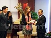 越南与脸谱集团配合营造安全健康的网络环境
