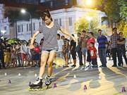 胡志明市首次在阮惠步行街举行街头艺术表演活动