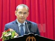 法国前驻越大使荣获越南友谊勋章