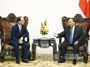 阮春福总理会见越南三星有限公司总经理韩明燮