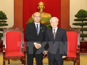 越共中央总书记阮富仲会见缅甸联邦议会议长曼温凯丹