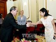阮善仁同志会见加拿大驻越南大使平·基特尼克尼
