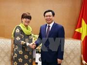 政府副总理王廷惠会见比利时驻越南大使让娜 · 罗卡