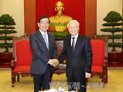 越共中央总书记阮富仲会见韩国总统特使朴元淳