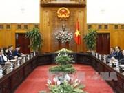 越南政府总理阮春福会见韩国总统特使朴元淳