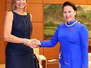国会主席阮氏金银会见荷兰王后马克西玛