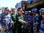 越南国防部部长吴春历到海军军种考察调研