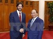 阮春福总理会见斯洛伐克副总理兼内务部部长罗伯特•卡里尼亚克