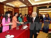 越共中央总书记阮富仲会见国会女性代表小组