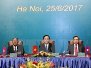 2017年越老柬三国阵线主席第三次会议在河内召开