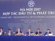 越南政府总理阮春福:动员市民和企业携手共建现代、特色的河内市