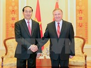 越南国家主席陈大光会见白俄罗斯总理安德烈•科比亚科夫