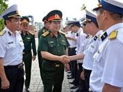 参加生产劳动 发展经济一直是军队的职能和任务