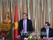 张和平副总理高度评价旅新越南人的作用